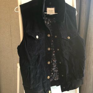 Forever 21 Vest Size Small